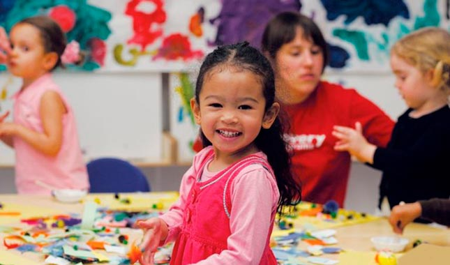 Nursery school program in NYC - Practically Preschool by Discovery Programs