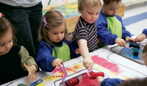 Art for Tots - Discovery class in NYC for your child to explore the world of shape, color and texture, paint using big brushes, fingers, sponges and rollers