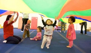 Gym for Tots in NYC - Discovery program that builds motor planning, eye-hand coordination, social skills, and develops cognitive skills for babies